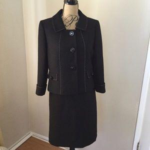 NWOT Tahari black skirt suit size 8